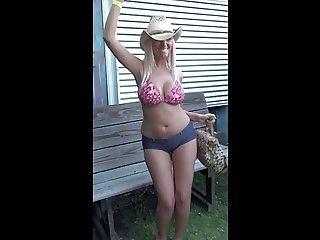 Blonde Dancing