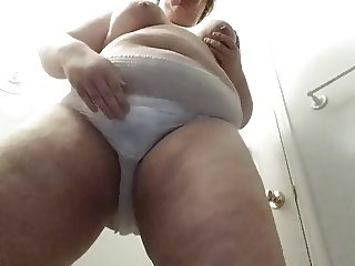 bbw wets diaper for first time