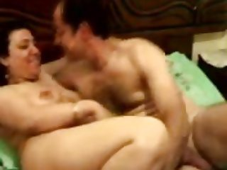 Egyptian MILF & her husband having a good session