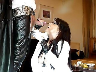 smoking milf fur thighboots blowjob part 2