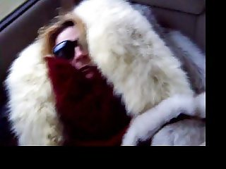 Furgirl white fur blowjob for taximan 6