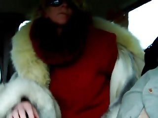 Furgirl white fur blowjob for taximan 7a