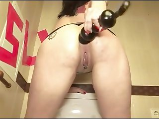 Bella Slut Demonstrates Squirt And Prolapse by Cezar73