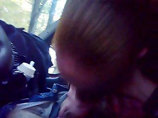 Croatian bitch suck dick in the car