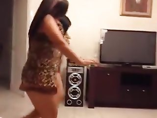 Arab teens sexy dance