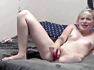 Pale blonde lhd amputee hip masturbation solo fingering