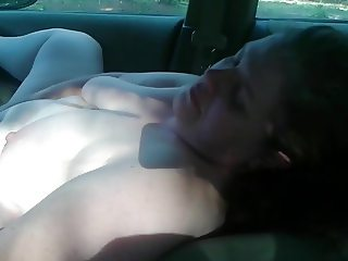 pale bbw with ruined gut jills off and gets choked