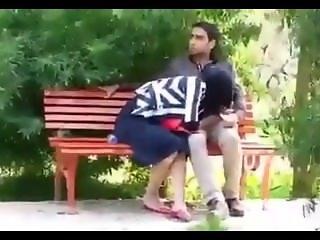 Hidden cam couples do oral sex Iraqi girl فتاة من العراق تقوم بعمل موطة الى
