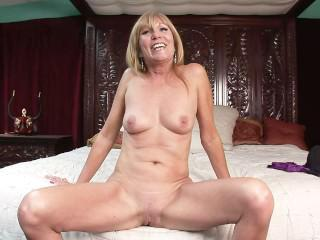 WILD MOM'S & DAUGHTER'S - Scene 3