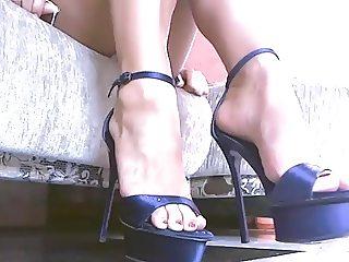Amateur girl heels