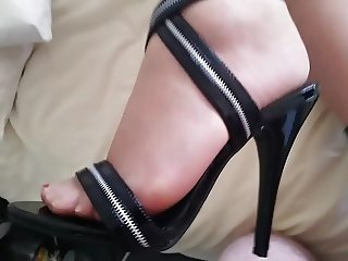 Footjob and Cum on High Heels
