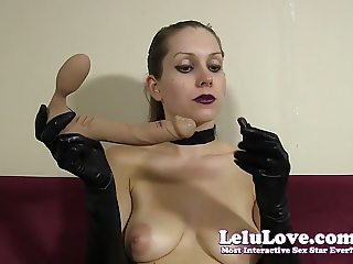 Goth girl in gloves and choker gives messy lipstick blowjob