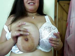 Sexy big mom with big natural booobs