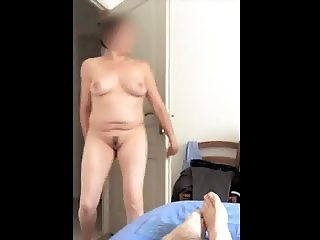 Unaware naked wife