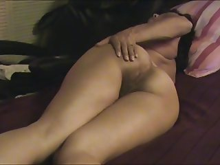 ASIAN WIFE SHOW BUTTOCKS AND TAKEN COCK