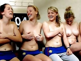 Hockey team undress 2