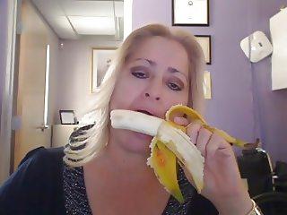 Milf got mad banana skills