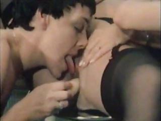 CC E 513 Lesbian salon