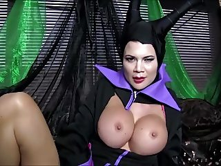 COSPLAY BABES Maleficent Playing Solo