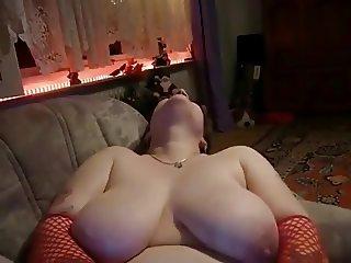 CHubby BBW Wet Shaven pussy masturbation