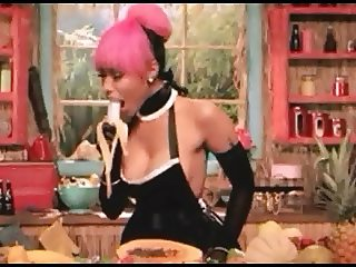 Nicki minaj trying hard to learn deepthroat gagging video