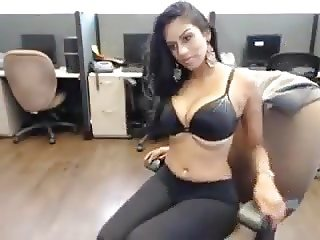 HOT DESI NRI GIRL CALMING AND RUBBING HER SELF IN OFFICE