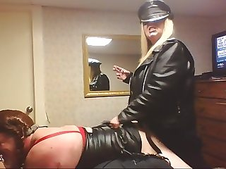 MISTRESS LEATHER MAKES HER SISSY ASS LOSER OF A CUCK PAY