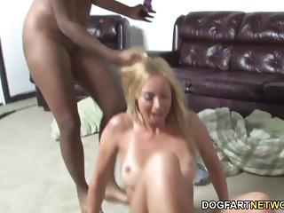 Candice Nicole punishes Kelly Wells' ass with strapon