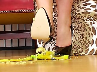 german Femdom lady Joanne -  food crush 1