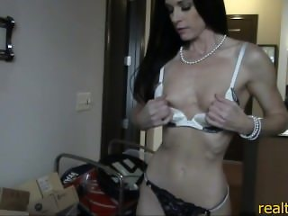 Real estate agent MILF India is horny and fucks her client