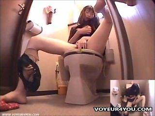 Japanese Lady In Toilet Masturbation