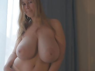 Busty natural babe Terry posing 2