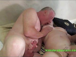 Speedy Bee fucking with two guys