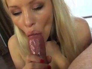 Blonde sensual BJ