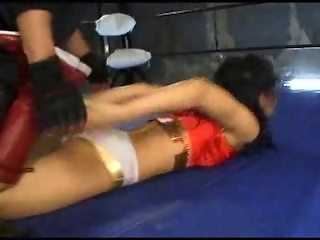 Cute heroine wrestling