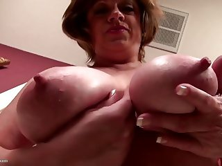 Busty natural American mature mother with thirsty vagina
