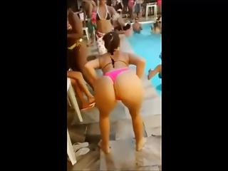 Summer in Brazil - Blonde bitch! dancing funk in the pool.