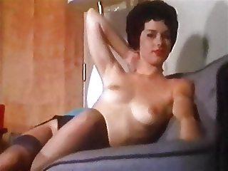 NYLON MOMENT - vintage striptease heels stockings