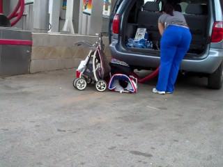 Soccer Mom FROM SEXDATEMILF.COM Huge Ass VPL Car Wash Candid wOw