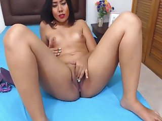 Beautiful 18 Year Old Colombian Latina First Time Webcam