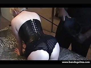Collared amateur submissive Lisas bedroom bondage and kinky