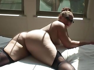 beautiful nude aunty