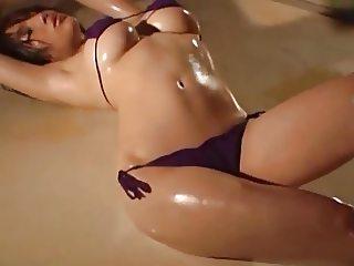 Model pakai mini bikini