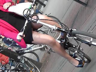 Pantyhose Candid legs