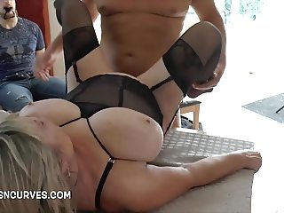 Housewife getting serviced by her hubbies friend