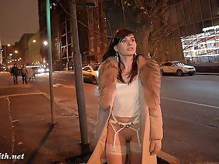 Naked city tour with Jeny Smith