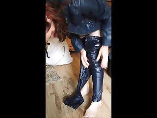 Leather, Latex, Lack, Hose, anziehen
