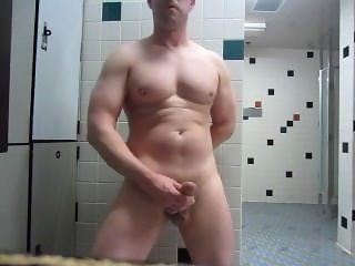 Risky Jack Off In Gym Locker Room
