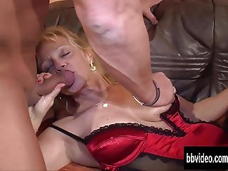 German milfs suck and fuck dicks