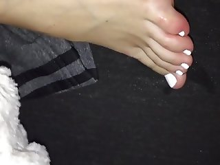 Cumming on my girlfriends  feet